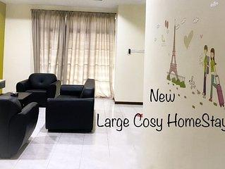 Chriz's Large & Cozy HomeStay