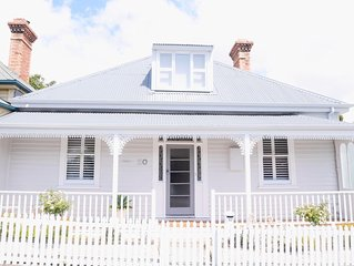 WHITE COTTAGE - Luxe 4 Bedroom Guest House