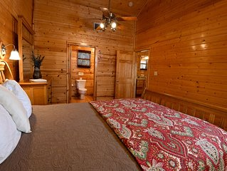 Cozy lodge at Frio Springs Lodges with views