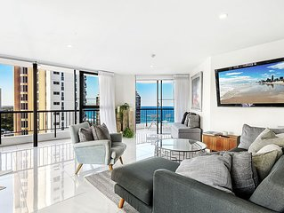 Luxurious Beach Apartment with Ocean Views and a Fantastic Location