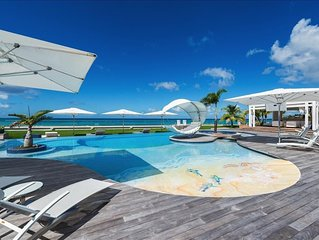 Luxurious six bedroom villa with private chef, heated pool, jacuzzi, in-pool bar