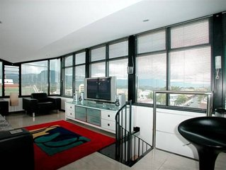 Wollongong City Penthouse - in the heart of Wollongong .