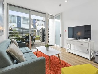 Quiet Secluded Garden Apartment + Free Carpark