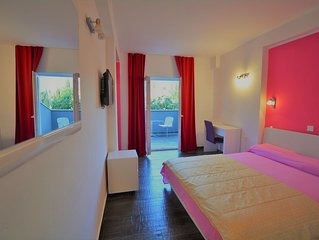 Villa Avantgarde - A Double Room with Beautiful Views and Daily Breakfast