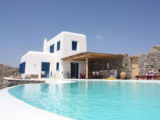 Tranquil 5 bedroom Villa Private Pool and amazing Views