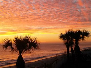 GORGEOUS BEACHFRONT VACATION RENTAL  ONSITE PROPERTY MANAGEMENT AND MAINTENANCE