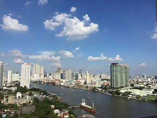 HI-RISE, 1BR 52sq.m. Serene, Amazing River view, 75/30MbpsWIFI, near ICON SIAM