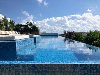 Luxury condominium in a 5 stars building in Playa del Carmen downtown