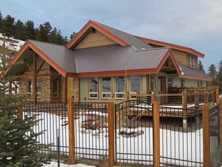 B's Nest - Spectacular Home with Great Mountain Views