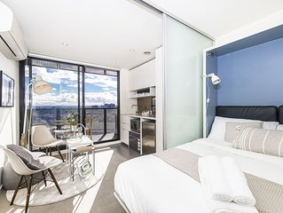 Designer's Charming studio in CBD