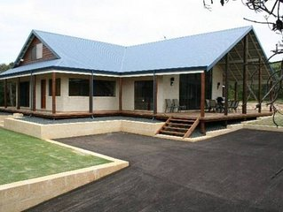Banksia Cove Injidup - 3 hours from Perth set on 2 acres in a secluded location