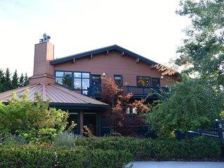 Large luxury Mt. Shasta Home (4600') on Resort Golf Course w/ Breathtaking Views