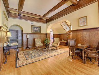 Wow $180/nt Special, Historic 1912 Mansion, Frank Lloyd Wright Inspired, over 6,
