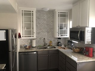 ✪ Luxurious 5 Star suite✪ Near DT, King/Queen 2 BR ✪