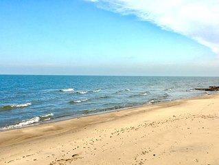Beautiful Beachfront Home on Lake Michigan (near South Haven & St Joseph)