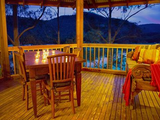 The Treehouse - Hawkesbury River. Tranquil waterfront cottage.