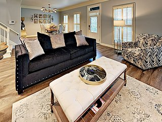 Luxurious Comfortable upscale Centrally located in quiet cul-de-sac