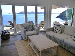 Mawhiti Beach House - unrivaled access to 2 of NZ's most stunning beaches