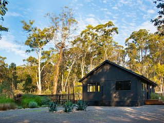 Ablac House - Tranquil Bushland Getaway