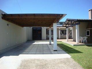 Casa Sozinha No Patio Com Dois Quartos e Wi-Fi Em Capão Da Canoa