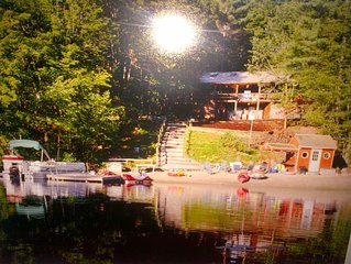 Spectacular Waterfront Log Cabin w/ Hot Tub & fantastic 100' Private Sandy Beach
