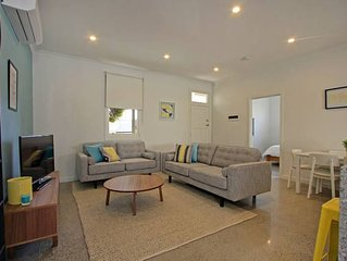 Peaceful, pet-friendly, central retreat - located at Queenscliff