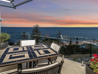 Pacific Vista Penthouse with Waterviews, pool & walk to Redcliffe CBD