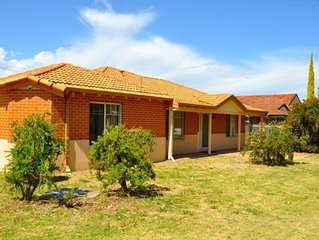 Cannington Home Accommodation House 1 (4 bedrooms & 2 bathrooms)