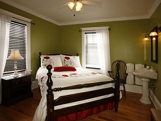 Au Virage B&B, charming relaxing rooms - South-East bedroom Double