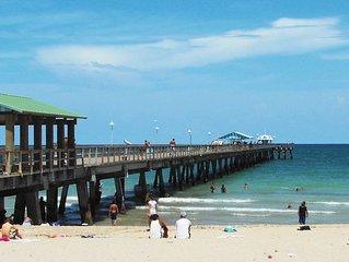 Casa Bougainvillia Walk to Beach 3/2.5 for 8 Guests 7 min