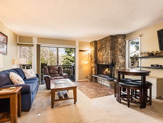 Snowmass Slopeside. Next to Lifts, Shops. Balcony, Outdoor Pool & Hot Tub, Parki