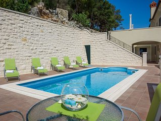 Modern Apartment With A Swimming Pool In Hvar Town Center
