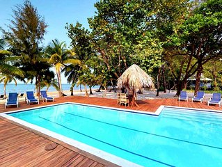 Nature Lover's Delight! Gardens, Private Beach, Pool, Dive Shop, In Gated Resort