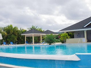 Luxor Villa.. Great location near major attractions in Ocho Rios!!