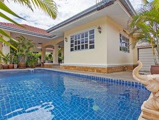 Baan Chokdee | 5 BR Pool Villa near Jomtien Beach