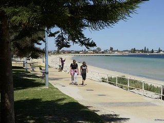 Seaview Beach Apartment