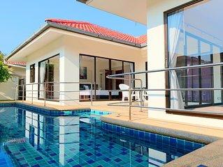 Jacuzzi Pool Villas 86 Phratumnak