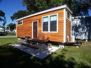 New Tiny House - INTRODUCTORY PRICE minutes from Sanibel and Fort Myers Beach!