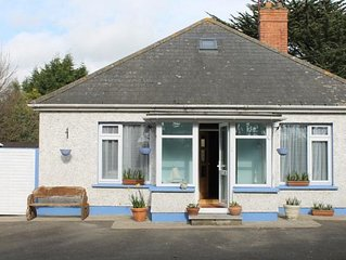 Beaches Accommodation 4 Bed house beside the beach
