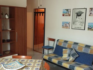 Full optional apartment in the middle of everythink, close to the beautiful sea.