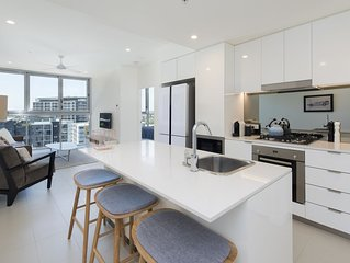 Exquisite executive living meters from the Gasworks precinct