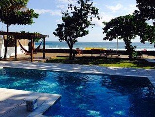 Casa frente ao mar com 4 Suites e piscina