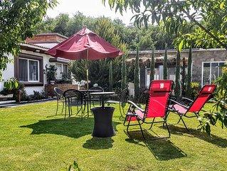 Beautiful house, pool and garden, close to Queretaro's best vinyards.