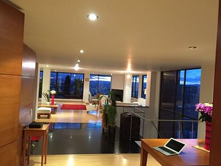 IMPRESSIVE FURNISHED PENTHOUSE WITH AMAZING VIEWS IN ROSALES-BOGOTA.