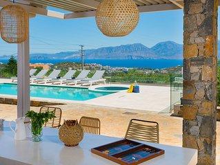 Villa Enigma - 3 bedroom villa with a private pool and jacuzzi