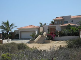 Villa Olas ~ an Elegant Beach-front Escape ~ 100' from Surf