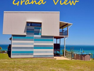 GRAND VIEW on MORETON: Architect Designed & Owned