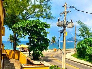 Apartamento 2 suítes em frente a praia, com vista para o mar