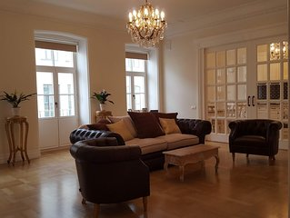 3 Bed, 2 Bath, 450m to St. Isaac's Cathedral
