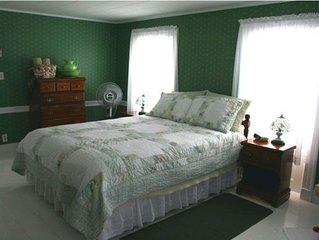 Bay Of Fundy Inn - Westport, Nova Scotia, Canada - Bay of Fundy Inn - Room 1
